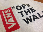 Футболка Gray Vans Off The Wall Black Red Vertical фото 3